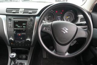 2010 Suzuki Kizashi FR XL White 6 Speed Manual Sedan