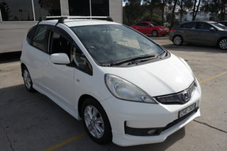 2012 Honda Jazz GE MY12 VTi White 5 Speed Manual Hatchback.
