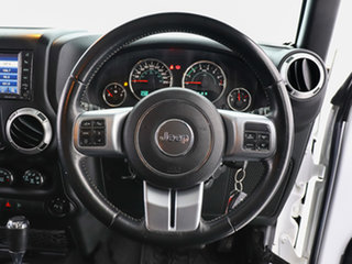 2015 Jeep Wrangler Unlimited JK MY15 Sport (4x4) White 5 Speed Automatic Softtop
