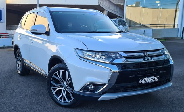 Pre-Owned Mitsubishi Outlander ZK MY17 LS 2WD Brookvale, 2017 Mitsubishi Outlander ZK MY17 LS 2WD White 6 Speed Constant Variable Wagon