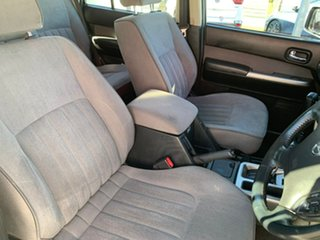 2014 Nissan Patrol ST - Titanium White Automatic Wagon