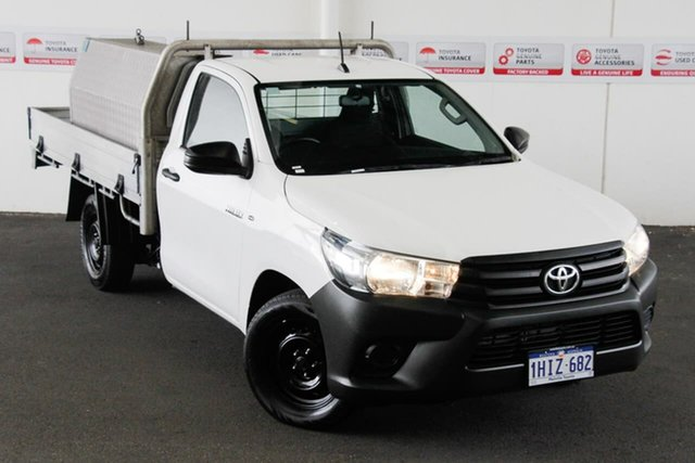 Pre-Owned Toyota Hilux GUN122R Workmate Rockingham, 2017 Toyota Hilux GUN122R Workmate Glacier White 5 Speed Manual Cab Chassis