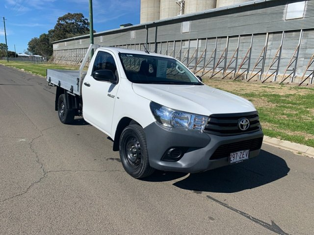 Pre-Owned Toyota Hilux GUN122R MY17 Workmate Oakey, 2017 Toyota Hilux GUN122R MY17 Workmate Glacier White 5 Speed Manual Cab Chassis