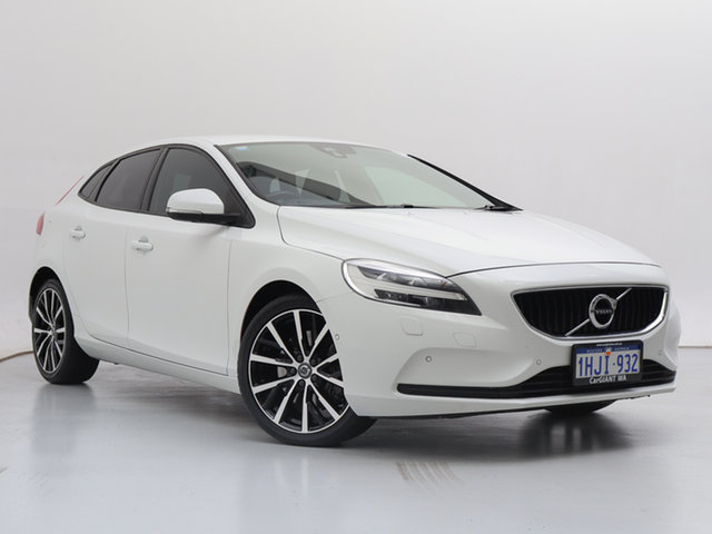 Used Volvo V40 M MY16 T3 Kinetic, 2016 Volvo V40 M MY16 T3 Kinetic White 6 Speed Automatic Hatchback