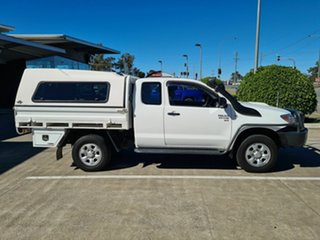 2005 Toyota Hilux KUN26R MY05 SR Xtra Cab White 5 Speed Manual Cab Chassis.