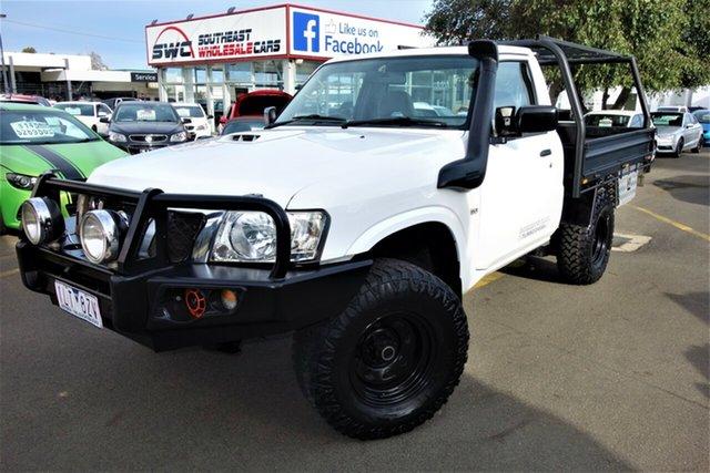 Used Nissan Patrol Y61 GU 6 SII MY13 DX Seaford, 2012 Nissan Patrol Y61 GU 6 SII MY13 DX White 5 Speed Manual Cab Chassis