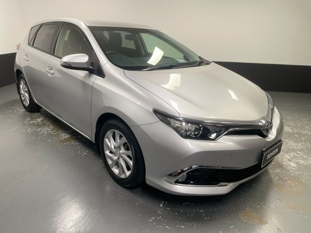 Used Toyota Corolla ZRE182R Ascent Sport S-CVT Hamilton, 2017 Toyota Corolla ZRE182R Ascent Sport S-CVT Silver 7 Speed Constant Variable Hatchback