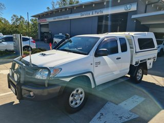2005 Toyota Hilux KUN26R MY05 SR Xtra Cab White 5 Speed Manual Cab Chassis