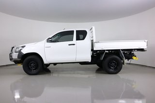 2015 Toyota Hilux GUN125R Workmate (4x4) White 6 Speed Manual X Cab Cab Chassis