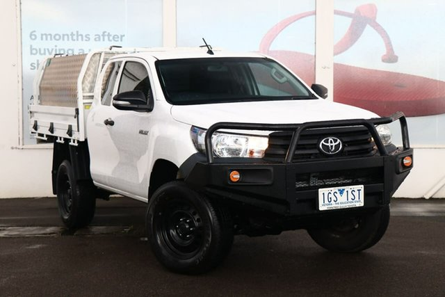 Pre-Owned Toyota Hilux GUN125R Workmate Extra Cab Ferntree Gully, 2015 Toyota Hilux GUN125R Workmate Extra Cab Glacier White 6 Speed Manual Cab Chassis