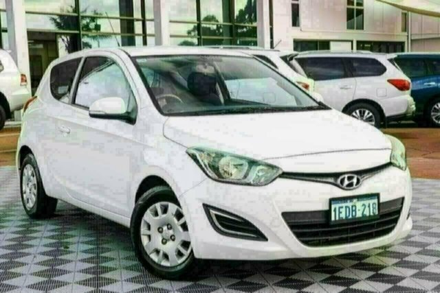 Used Hyundai i20 PB MY13 Active Attadale, 2013 Hyundai i20 PB MY13 Active White 6 Speed Manual Hatchback