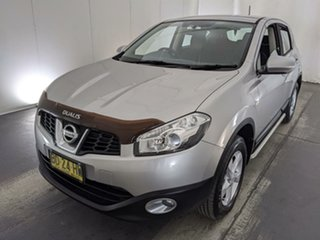 2011 Nissan Dualis J10 Series II MY2010 ST Hatch X-tronic Silver 6 Speed Constant Variable Hatchback.