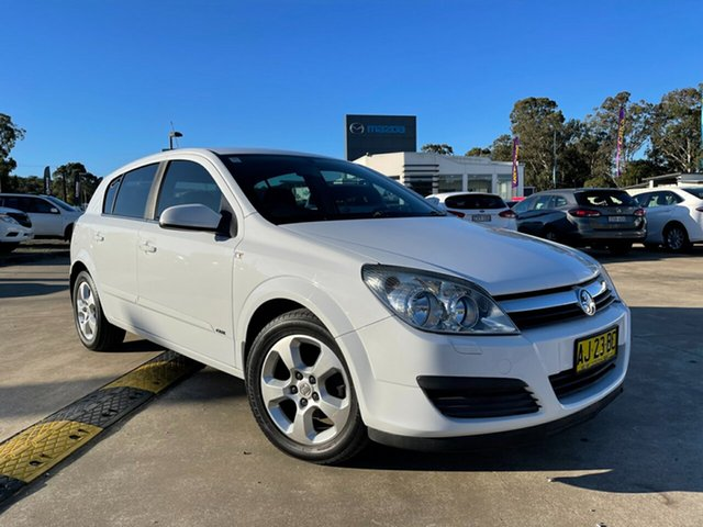 Used Holden Astra AH MY06 CDX Glendale, 2006 Holden Astra AH MY06 CDX White 4 Speed Automatic Hatchback