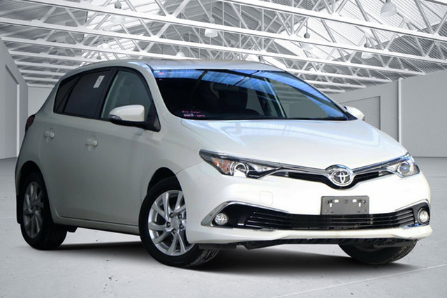 Used Toyota Corolla ZRE182R MY15 Ascent Sport Altona North, 2017 Toyota Corolla ZRE182R MY15 Ascent Sport Crystal Pearl 7 Speed CVT Auto Sequential Hatchback
