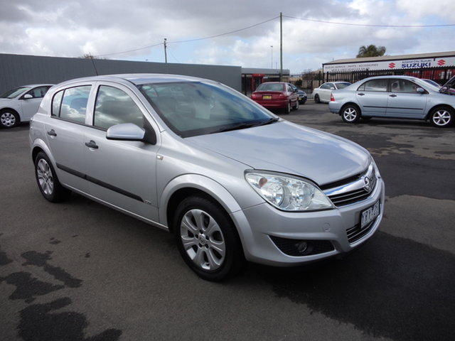 Used Holden Astra AH MY08.5 60th Anniversary Wagga Wagga, 2008 Holden Astra AH MY08.5 60th Anniversary Acapulco Blue & Reflex Silver 4 Speed Automatic