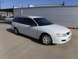 2007 Holden Commodore VZ@VE Executive White 4 Speed Automatic Wagon.