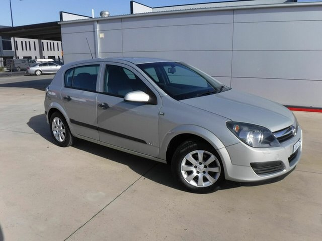 Used Holden Astra AH MY06 CD Pakenham, 2006 Holden Astra AH MY06 CD Silver 4 Speed Automatic Hatchback