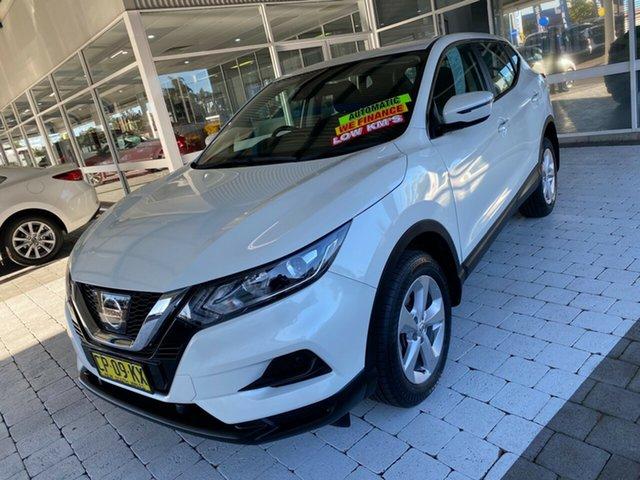 Used Nissan Qashqai ST Taree, 2017 Nissan Qashqai ST White Constant Variable Wagon