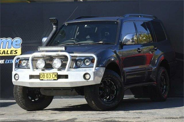 Used Mitsubishi Pajero NP MY06 VR-X Campbelltown, 2006 Mitsubishi Pajero NP MY06 VR-X Grey 5 Speed Manual Wagon