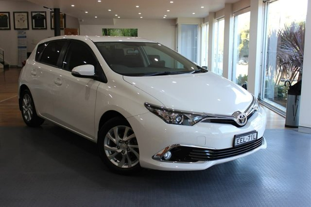 Used Toyota Corolla ZRE182R Ascent Sport S-CVT Waitara, 2017 Toyota Corolla ZRE182R Ascent Sport S-CVT White 7 Speed Constant Variable Hatchback