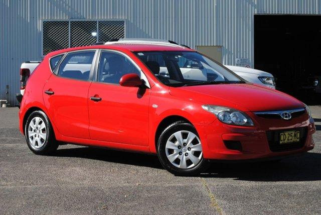 Used Hyundai i30 FD MY11 SX West Gosford, 2011 Hyundai i30 FD MY11 SX Red 5 Speed Manual Hatchback
