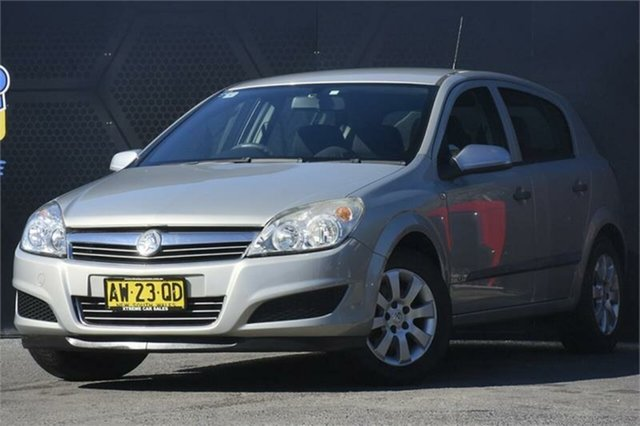 Used Holden Astra AH MY08.5 60th Anniversary Campbelltown, 2008 Holden Astra AH MY08.5 60th Anniversary Gold 4 Speed Automatic Hatchback