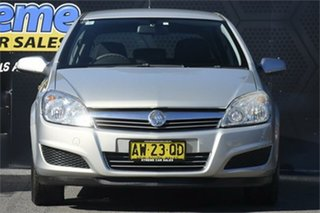 2008 Holden Astra AH MY08.5 60th Anniversary Gold 4 Speed Automatic Hatchback.