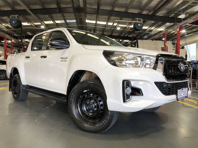 Pre-Owned Toyota Hilux GUN126R MY19 SR (4x4) Oakleigh, 2018 Toyota Hilux GUN126R MY19 SR (4x4) Glacier White 6 Speed Manual Double Cab Pick Up