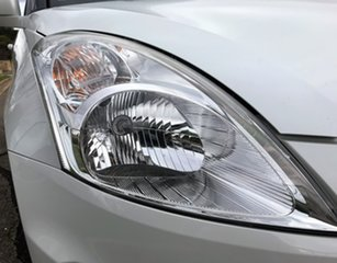 2016 Suzuki Swift FZ MY15 GL White 5 Speed Manual Hatchback.