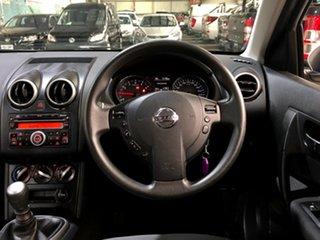 2011 Nissan Dualis J10 Series II MY2010 ST Hatch Whwite/cloth 6 Speed Manual Hatchback