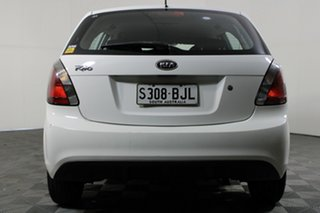 2010 Kia Rio JB MY11 S White 5 Speed Manual Hatchback.