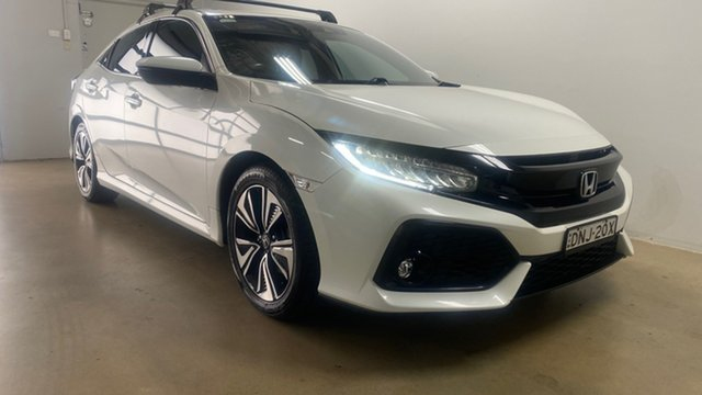 Used Honda Civic MY17 VTi-LX Phillip, 2017 Honda Civic MY17 VTi-LX White Continuous Variable Hatchback