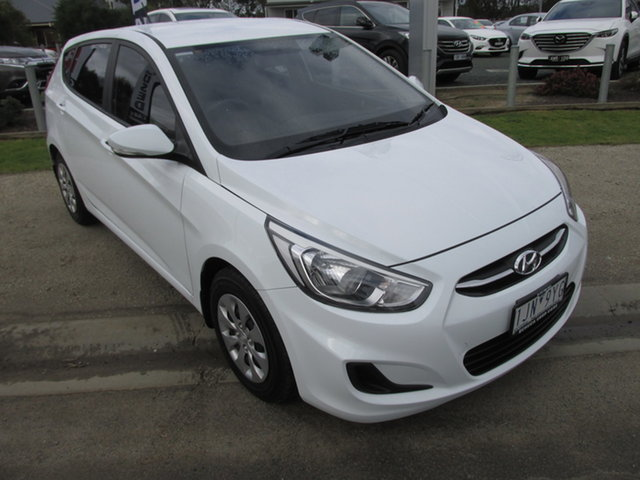 Used Hyundai Accent RB4 MY16 Active Echuca, 2016 Hyundai Accent ACTIVE Active White 6 Speed Automatic Hatchback