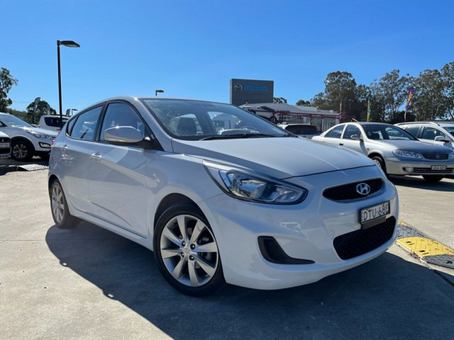 Used Hyundai Accent RB6 MY18 Sport Glendale, 2017 Hyundai Accent RB6 MY18 Sport White 6 Speed Sports Automatic Hatchback