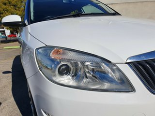 2012 Skoda Fabia 5JF 77TSI White 5 Speed Manual Hatchback.