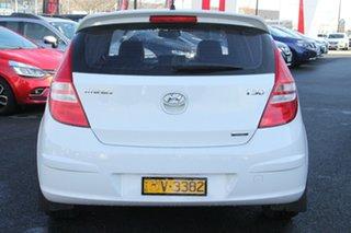 2011 Hyundai i30 FD MY11 SR White 5 Speed Manual Hatchback