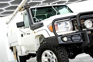 2016 Toyota Landcruiser LC70 VDJ79R MY17 GXL (4x4) White 5 Speed Manual Cab Chassis.