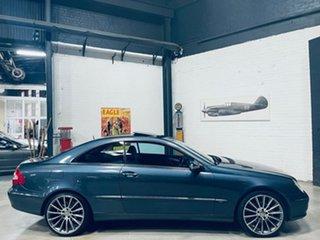 2004 Mercedes-Benz CLK-Class C209 MY05 CLK320 Avantgarde Grey 5 Speed Automatic Coupe.
