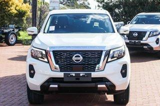 2021 Nissan Navara White Diamond.