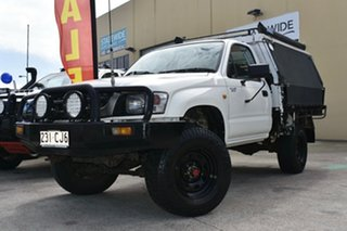 2002 Toyota Hilux KZN165R (4x4) White 5 Speed Manual 4x4 Cab Chassis.