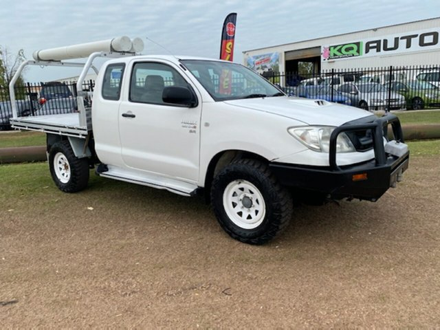 Used Toyota Hilux KUN26R MY10 SR Xtra Cab Berrimah, 2010 Toyota Hilux KUN26R MY10 SR Xtra Cab White 5 Speed Manual Cab Chassis