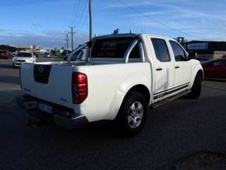 2009 Nissan Navara D40 ST-X (4x4) White 6 Speed Manual Dual Cab Pick-up.