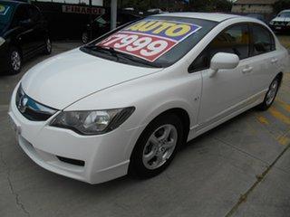 2009 Honda Civic 8th Gen MY09 VTi White 5 Speed Automatic Sedan.