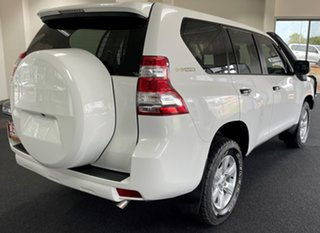 2015 Toyota Landcruiser Prado KDJ150R MY14 GX White 6 Speed Manual Wagon.