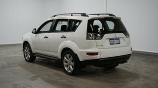 2011 Mitsubishi Outlander ZH MY11 Activ 2WD White 6 Speed Constant Variable Wagon.