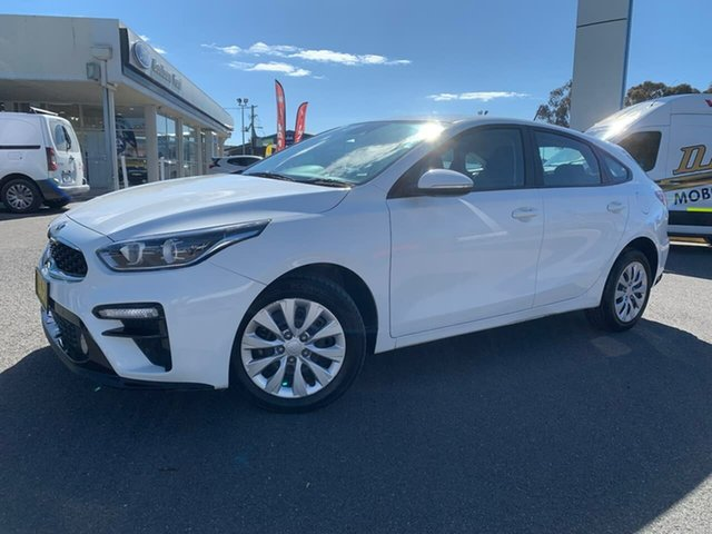 Used Kia Cerato Hatch S Goulburn, 2019 Kia Cerato Hatch S Clear White Sports Automatic Hatchback