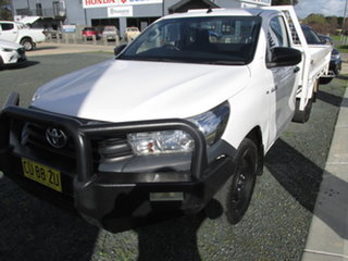 2017 Toyota Hilux GUN122R MY17 Workmate White 5 Speed Manual Cab Chassis.