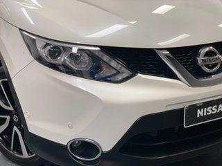 2015 Nissan Qashqai J11 TL Ivory Pearl Automatic SUV.