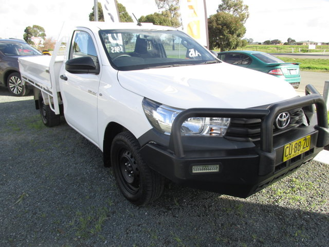 Used Toyota Hilux GUN122R MY17 Workmate Echuca, 2017 Toyota Hilux GUN122R MY17 Workmate White 5 Speed Manual Cab Chassis