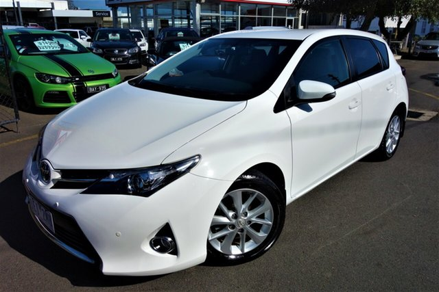 Used Toyota Corolla ZRE182R Ascent Sport S-CVT Seaford, 2015 Toyota Corolla ZRE182R Ascent Sport S-CVT White 7 Speed Constant Variable Hatchback